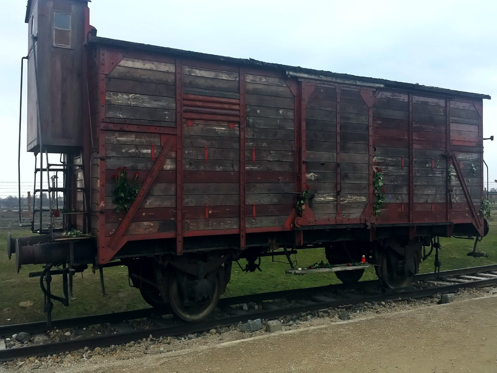 Carruagem de transporte de prisioneiros para Auschwitz | Train carriage which used to transport prisoners into Auschwitz