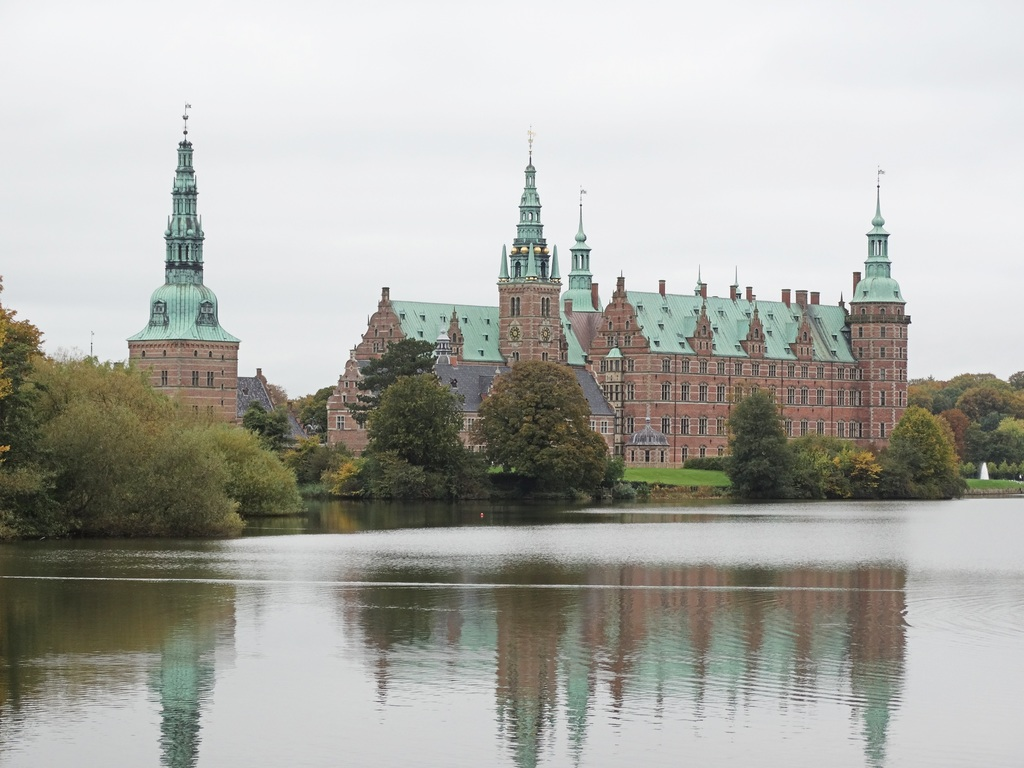 Imagem espelhada do Palácio de Frederiksborg