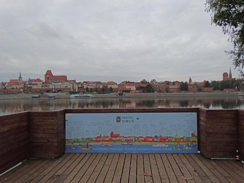 A plataforma panorâmica sobre o rio Vistula - fotografias de Torun, Polónia